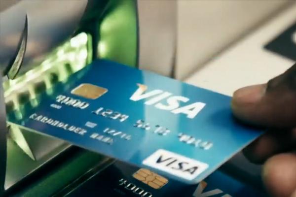 缩略图 | 安省男子被当面盗刷1万刀,信用卡公司拒不退款