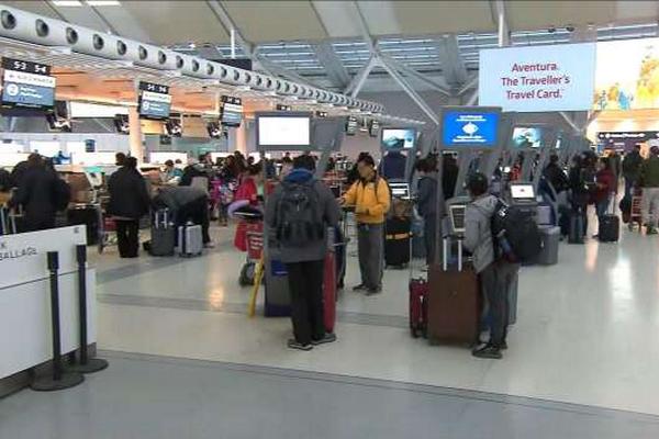 缩略图 | 武汉新型冠状病毒肺炎致两人死亡,加拿大机场将采取预防措施!