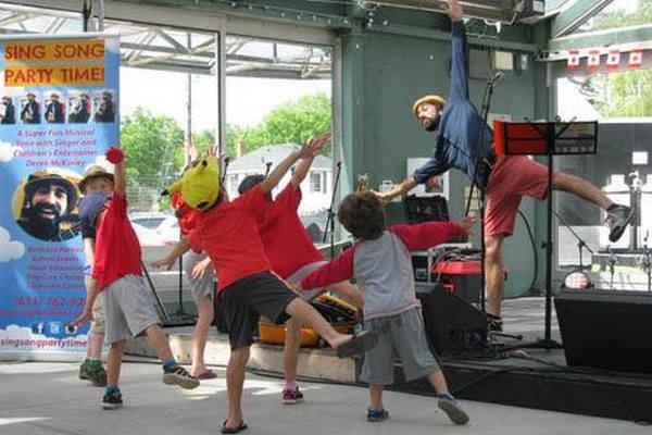 缩略图   Derek McKinley 渥太华儿童音乐会:在美妙音乐中学习健康生活和环保意识