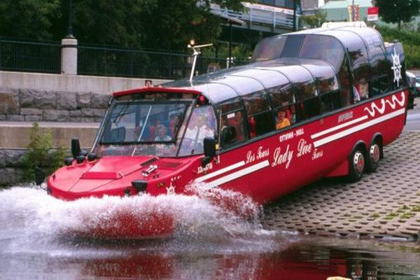 缩略图 | 是船也是车?!渥太华水陆两用巴士带你游遍首都景点!