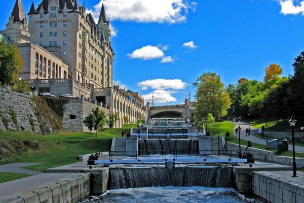 缩略图 | 加拿大里多运河水闸 Lockstation 介绍:划船和开游艇必备